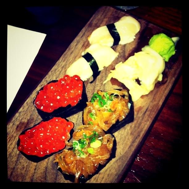 Jellyfish and salmon roe at Blue Ribbon Sushi // (c) 2011 Janeen Christoff