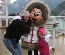 Minnie Mouse on the Disney Wonder (c) 2011 Janeen Christoff