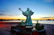 Bronze statues line the malecon // (c) 2014 La Paz Tourism Board
