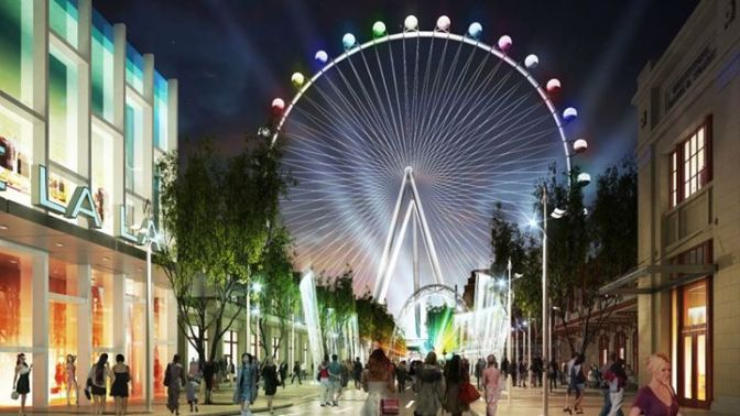The High Roller is the tallest Ferris wheel in the world. // (c) 2014 The Linq
